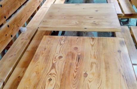 Mesa de madera para banco